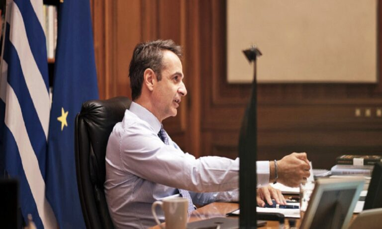 Koρονοϊός: Πιέσεις σε Μητσοτάκη από αλυσίδες εστίασης να μην τους κλείσει