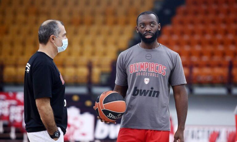 Τζένκινς: «Ευλογημένος που έπαιξα στον Ολυμπιακό»