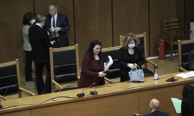 Δίκη Χρυσής Αυγής: Η πρόεδρος αμφισβήτησε την πρόταση της εισαγγελέως – Οι έντονοι διάλογοί τους