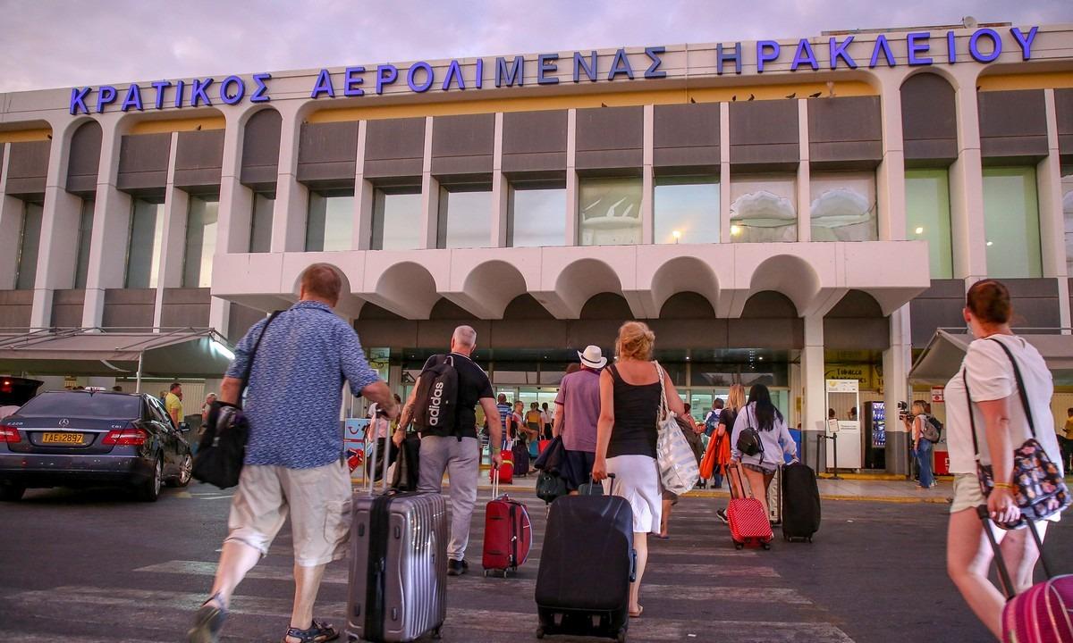 Άνοιξε το αεροδρόμιο Ηρακλείου – Αποκαταστάθηκαν οι ζημιές από την κακοκαιρία