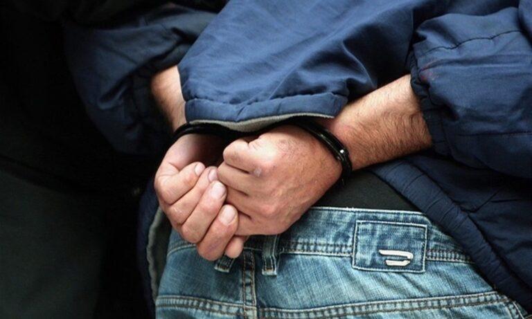 Eστησαν 7μελή εγκληματική οργάνωση και μοίραζαν μέσω ΕΦΚΑ επιδόματα-μαϊμού από 1.200 έως 2.000 ευρώ