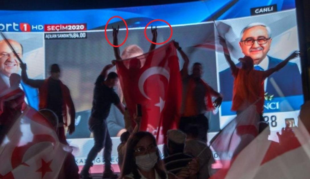 Κύπρος: Η νίκη του ανθρώπου του Τούρκου προέδρου στις εκλογές των Κατεχόμενων και οι πανηγυρισμοί με το σήμα των Γκρίζων Λύκων έδειξαν την επόμενη μέρα στην Κύπρο.
