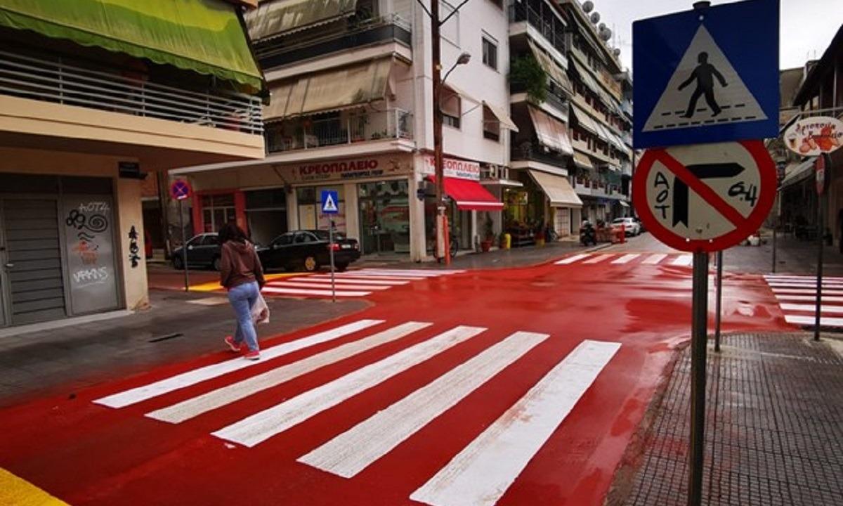 Τρίκαλα-Εντυπωσιακό: Καταργεί τα φανάρια φτιάχνοντας ασφαλείς διαβάσεις (pics)