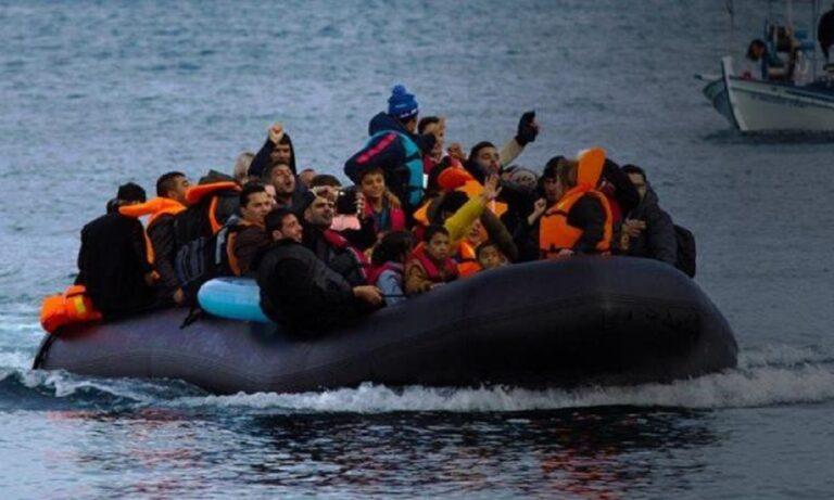 Μηταράκης: «Έτσι αποκαλύψαμε τις ΜΚΟ που διακινούσαν λαθρομετανάστες στα ελληνικά νησιά»