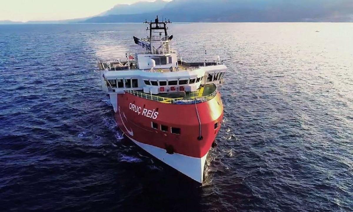 Ελληνοτουρκικά: Σε διάταξη μάχης ο ελληνικός στόλος λόγω Oruc Reis (vid)