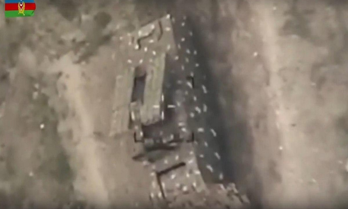 Nαγκόρνο Καραμπάχ: Τα τουρκικά drone καμικάζι επιτίθενται σε αντιεροπορικά από χαρτόνι