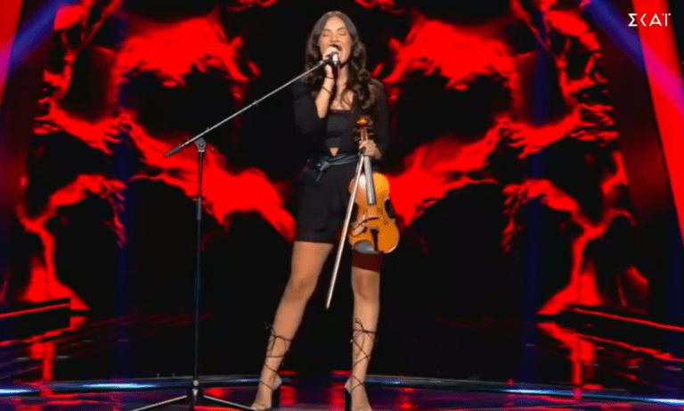The Voice: 17χρονη Κύπρια μάγεψε τους κριτές με τη φωνή και το βιολί της (vid)