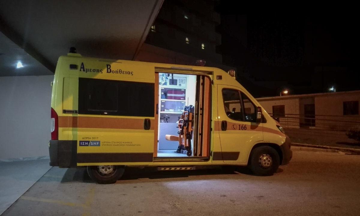 Τρίκαλα: Άνδρας επιτέθηκε σε ηλικιωμένο με τσεκούρι – Τον έστειλε στο νοσοκομείο!