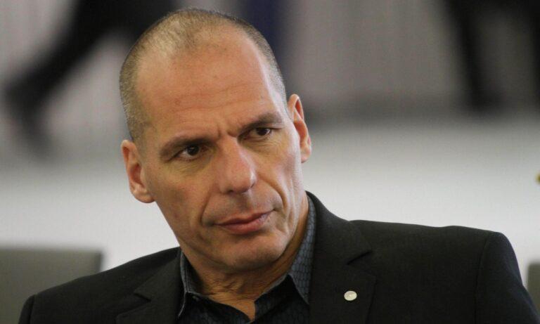 «Να προστατεύσουμε τη Δημοκρατία»: Έκκληση Βαρουφάκη σε ΣΥΡΙΖΑ και ΚΚΕ!