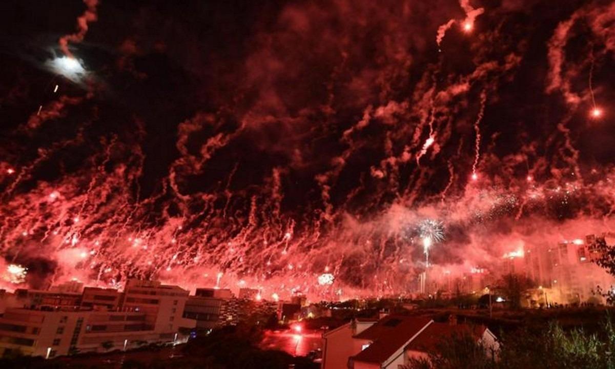 Κροατία: Απίθανο show με βεγγαλικά από οπαδούς (vid)