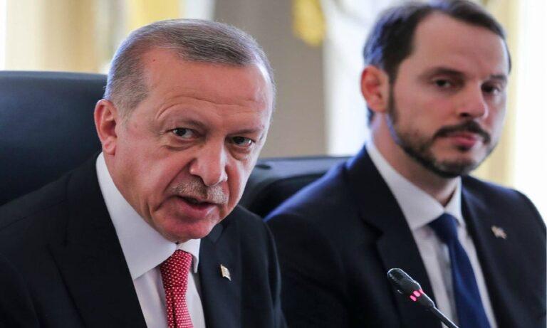 Τουρκία: Ο Ερντογάν έκανε δεκτή την παραίτηση του γαμπρού του από τη θέση του υπουργού Οικονομικών