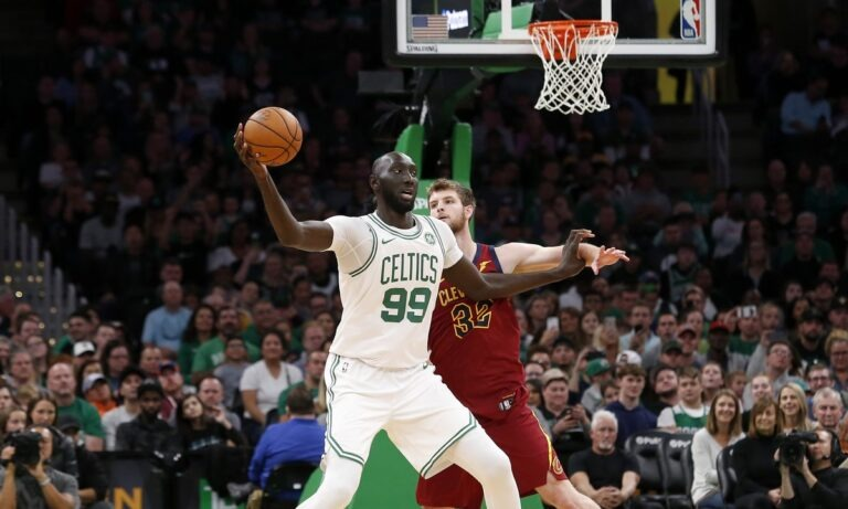 NBA: Οι Σέλτικς έμειναν… πανύψηλοι με τον Φολ