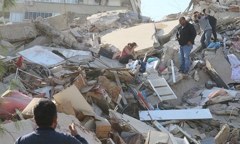 Τουρκία: 42 νεκροί και σχεδόν 900 τραυματίες λόγω του σεισμού!