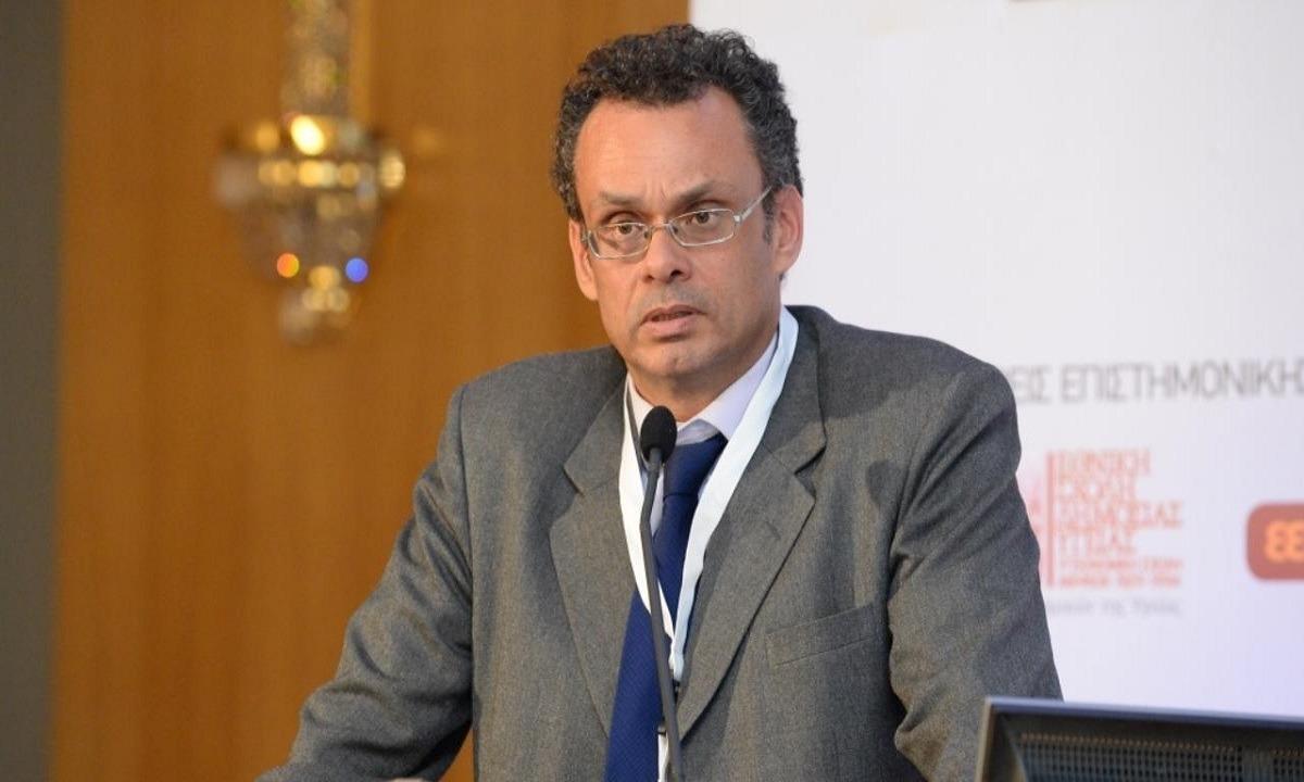 Κορονοϊός: Δείτε γιατί διαφωνεί καθηγητής Συνταγματικού Δικαίου με το lockdown2