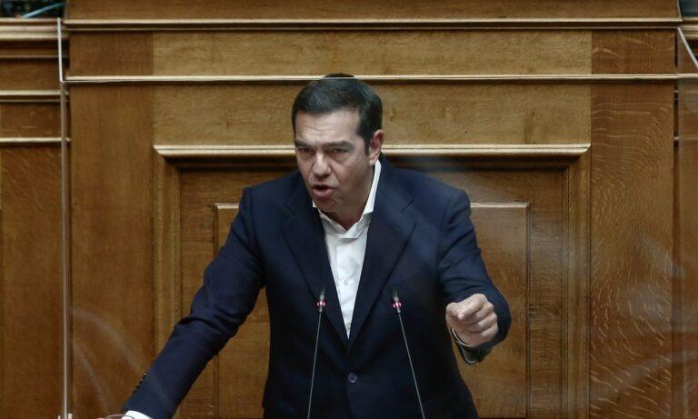 Τσίπρας: «Το Πολυτεχνείο ενοχλούσε πάντοτε τη Δεξιά, η κυβέρνηση στοχοποιεί τη νεολαία και διχάζει»