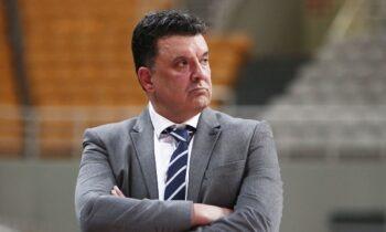 Ο Βαγγέλης Αγγέλου θα είναι όπως δείχνουν τα πράγματα ο αντικαταστάτης του Ηλία Παπαθεοδώρου για να κλείσει τη σεζόν στην ΑΕΚ.