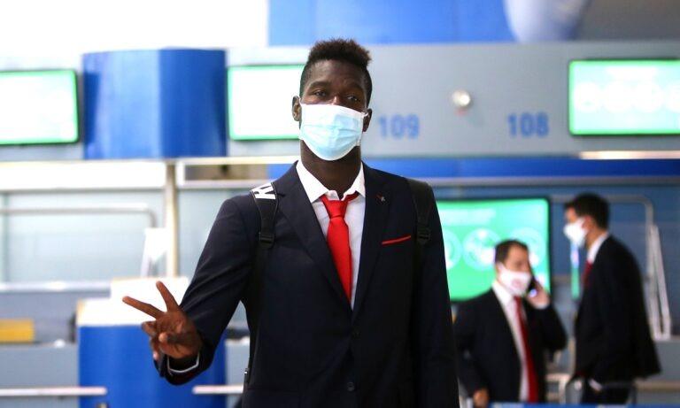 Ο Ολυμπιακός έχει πλάνο για τον Παπ Αμπού Σισέ, αλλά και ο ίδιος για το μέλλον του και δεν αναμένεται να είναι ερυθρόλευκο.