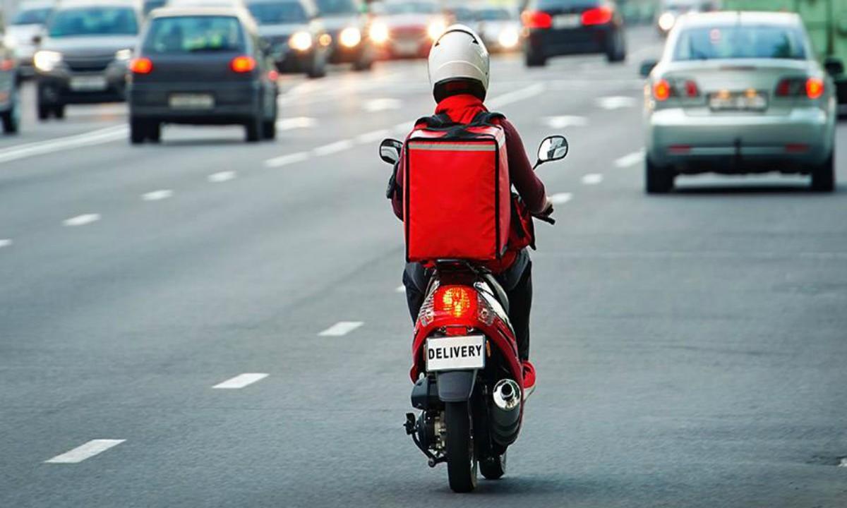 Απαγόρευση κυκλοφορίας: Τι ισχύει με το ωράριο στα delivery και τα take away