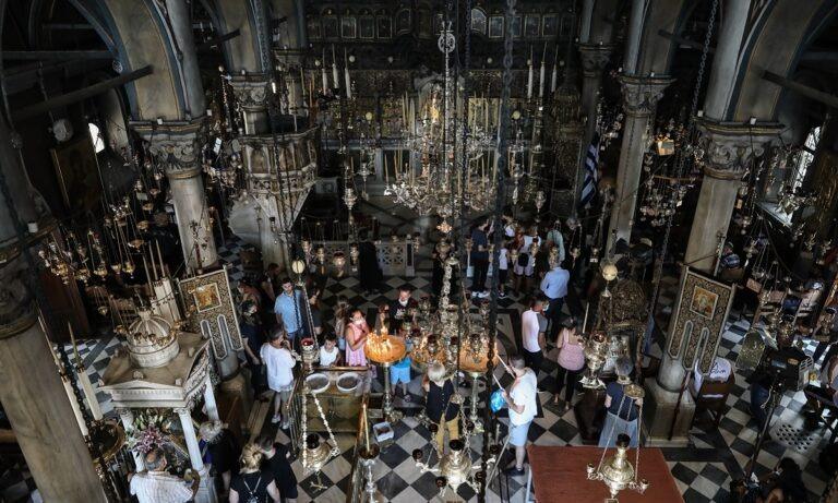 Ιερά Σύνοδος: Η επιστολή της στον Μητσοτάκη με την οποία ζητά ανοιχτές εκκλησίες τα Χριστούγεννα