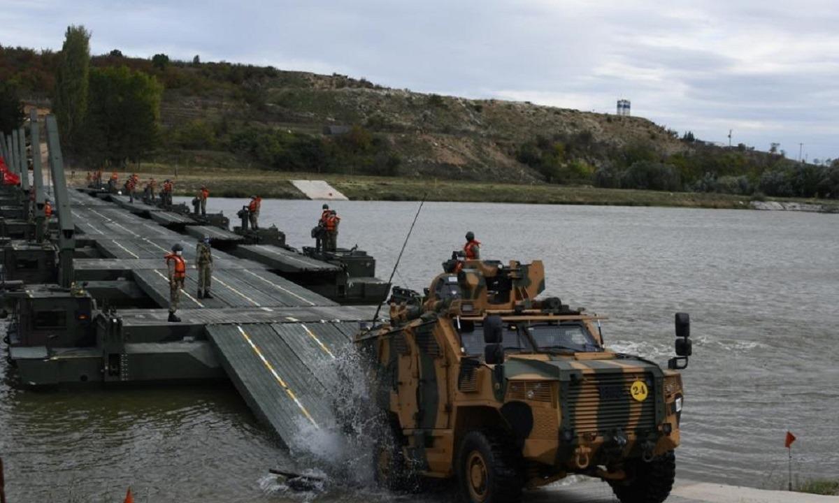 Ελληνοτουρκικά: Σοκ, το ΝΑΤΟ διαφημίζει τουρκική άσκηση βίαιης διάβασης του Έβρου!