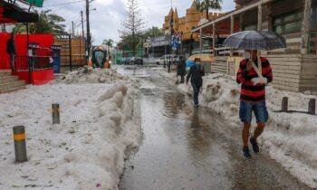 Καιρός 30/11: Βροχές και καταιγίδες σε όλη τη χώρα – Πού θα χιονίσει τη Δευτέρα (vid)