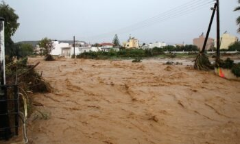 Κρήτη: Ανυπολόγιστες οι καταστροφές από την κακοκαιρία (vid)