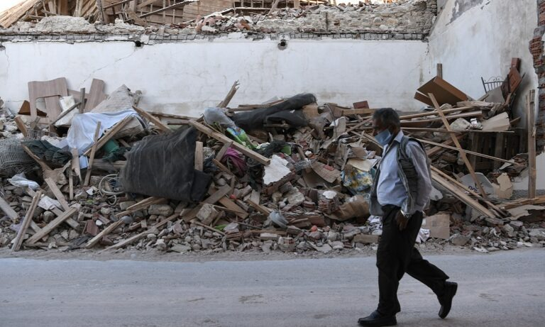 Σεισμός Σάμος: Εξακολουθεί να τρέμει το έδαφος στο νησί (vid)
