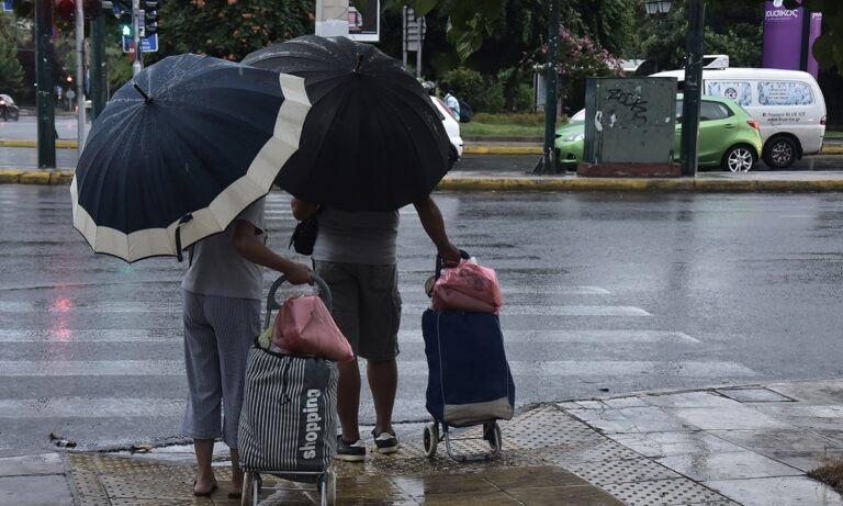 Καιρός 8/11: Ασθενείς τοπικές βροχές και μικρή άνοδος της θερμοκρασίας