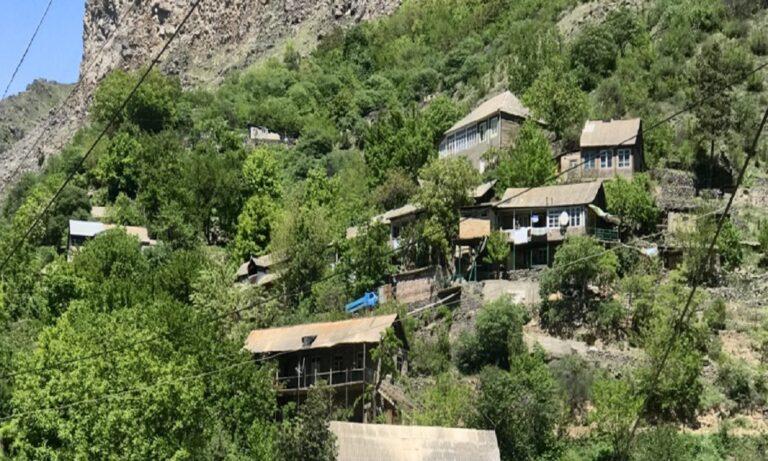 Ναγκόρνο Καραμπάχ: Ιστορία γράφουν οι Αρμένιοι στο χωριό Αγκόρι στις πλαγιές του Αραράτ.