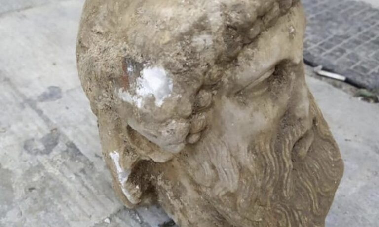 Αθήνα: Βρέθηκε αρχαία κεφαλή σε εργασίες στην Αιόλου