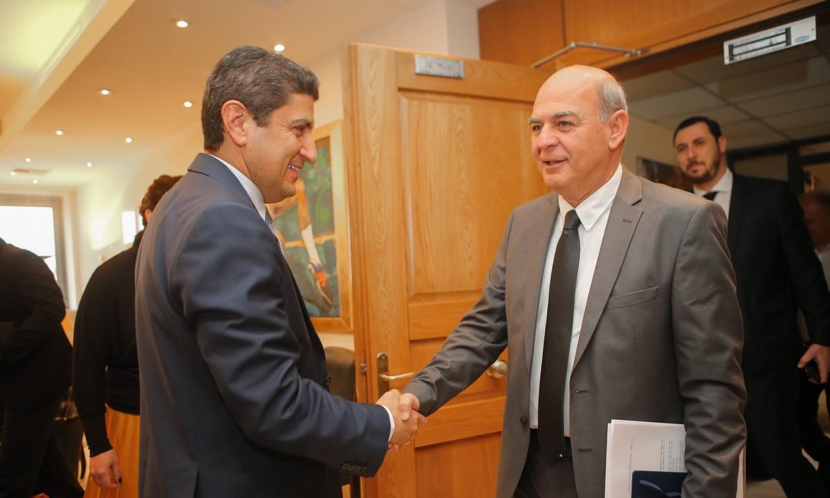 Αυγενάκης-Γραμμένος: Συζήτησαν την ολιστική μελέτη των UEFA-FIFA