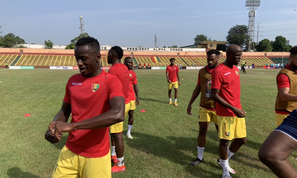 Ολυμπιακός: Ο Καμαρά έδωσε τη νίκη στη Γουινέα (vid)