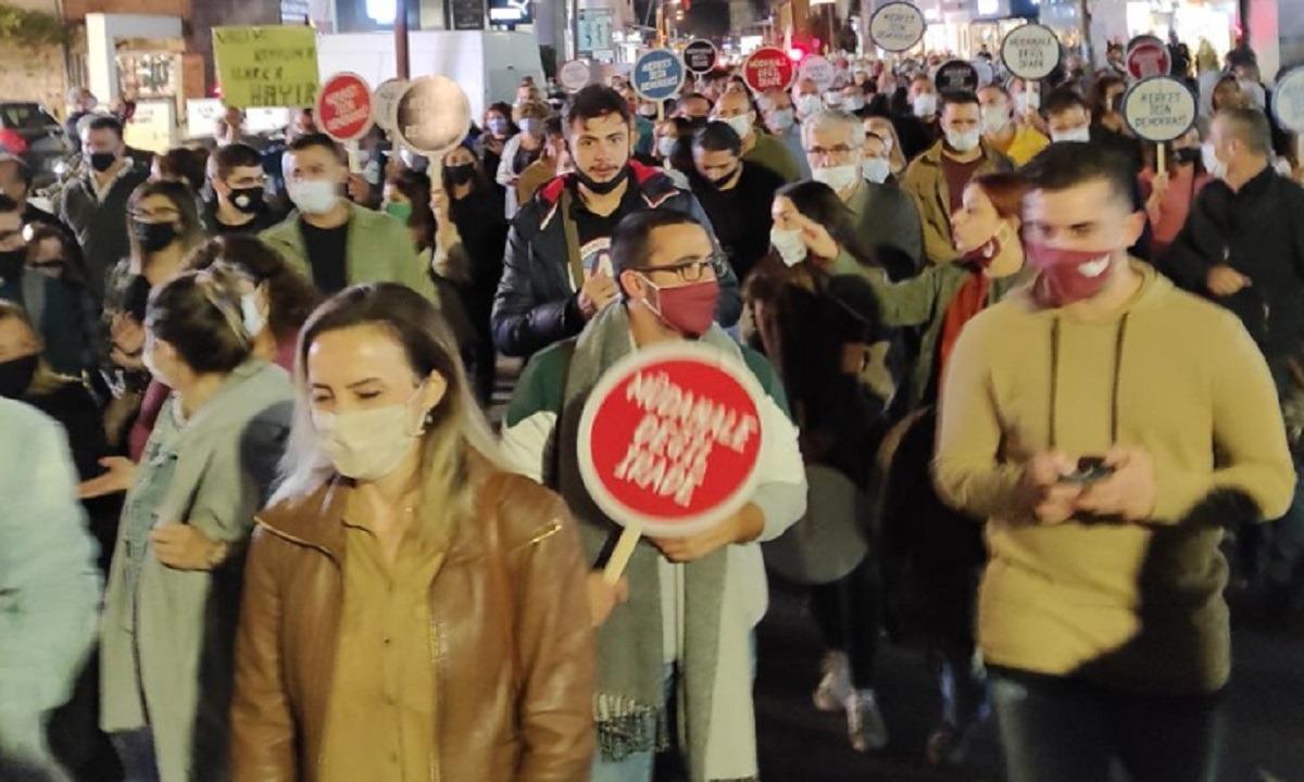 Κύπρος: Διαδήλωση τουρκοκυπρίων κατά του Ερντογάν – Μην ανακατεύεσαι