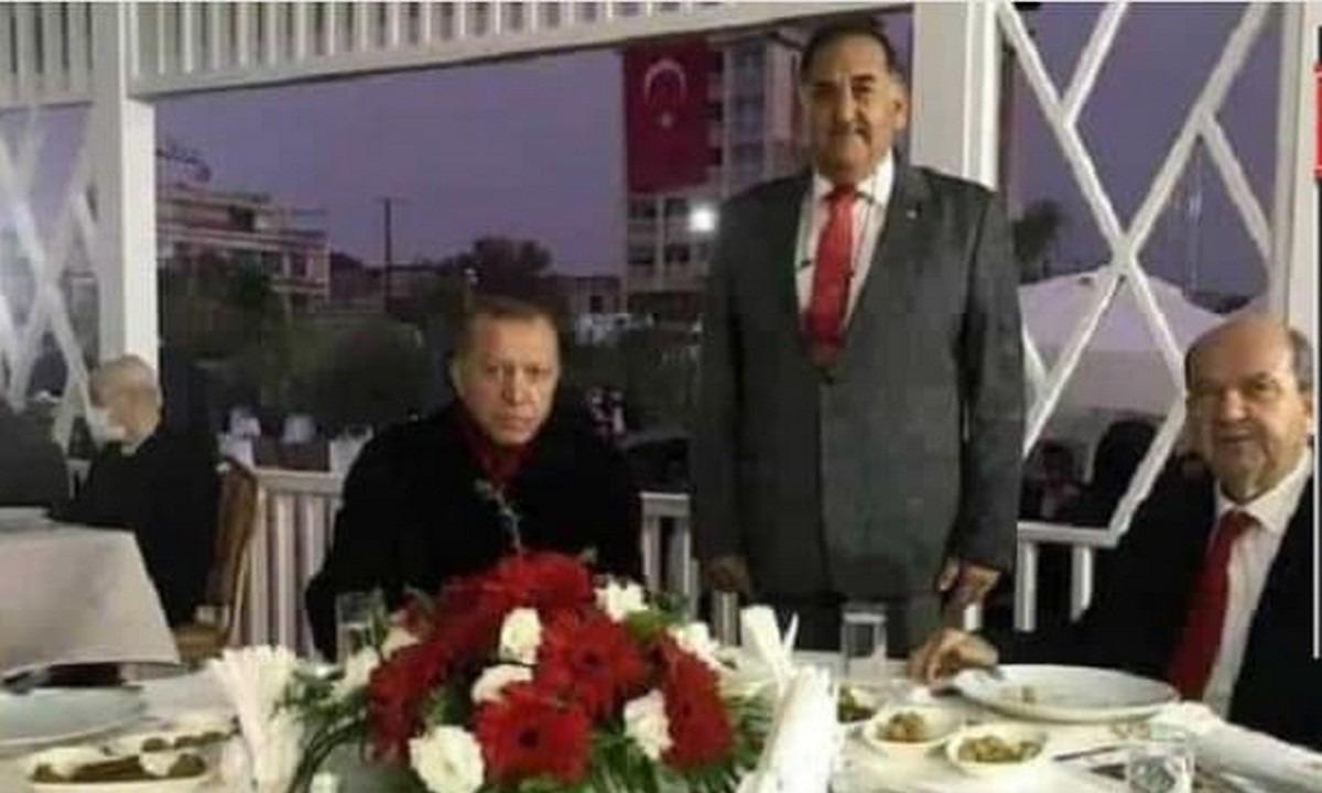 Ερντογάν: Η φωτογραφία με τον δολοφόνο του Σολωμού