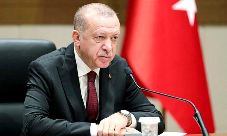Ερντογάν: «Αποκεφάλισε» την Κεντρική Τράπεζα και «βυθίζει» την Τουρκία!