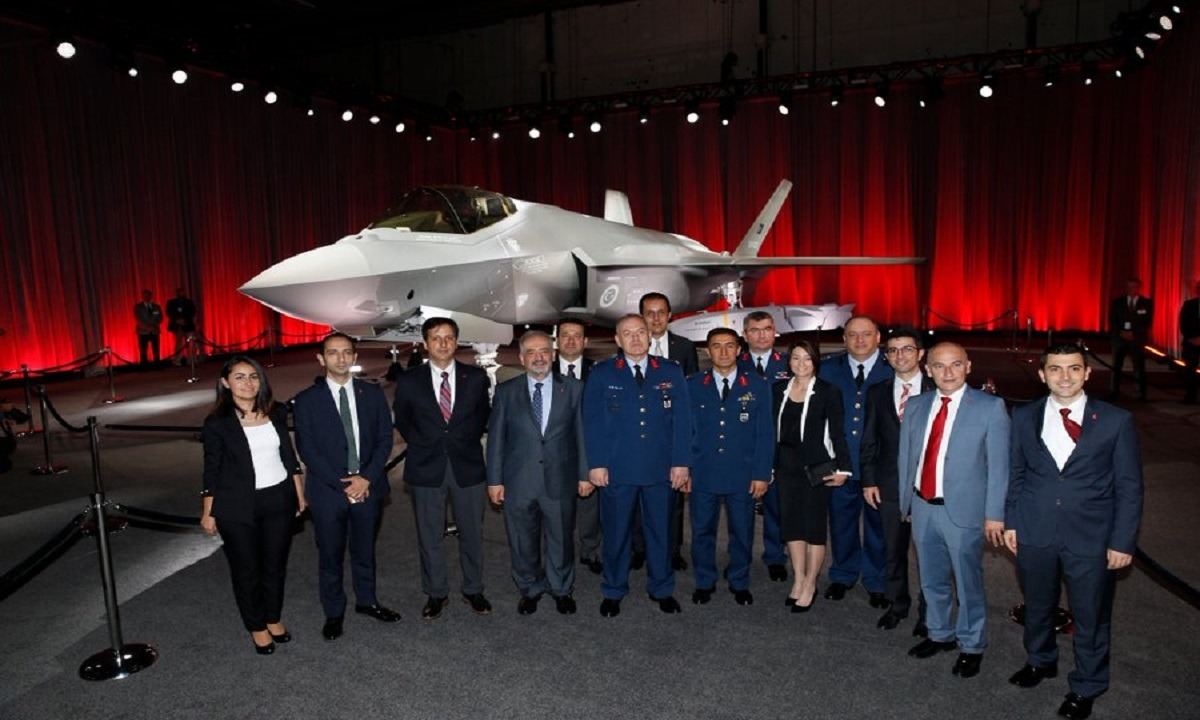 Τούρκοι: Πόσο χαρούμενοι ήμασταν στην τελετή παράδοσης των F-35 – Περασμένα μεγαλεία