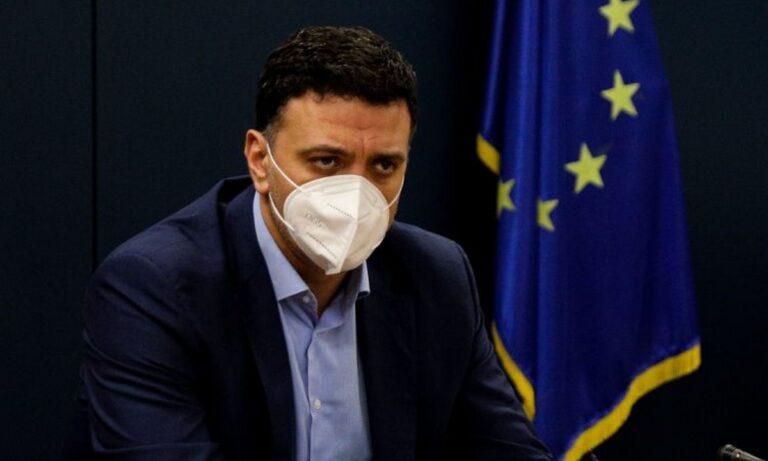 Κικίλιας: «Θα φοράμε μάσκα μέχρι την Άνοιξη»