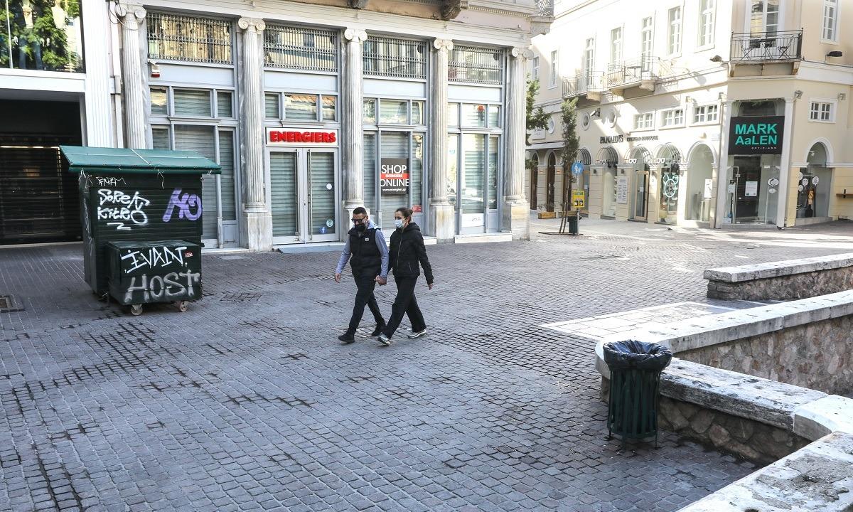 Κορονοϊός: Κρίσιμη εβδομάδα για το άνοιγμα της αγοράς – Τι εξετάζουν οι ειδικοί