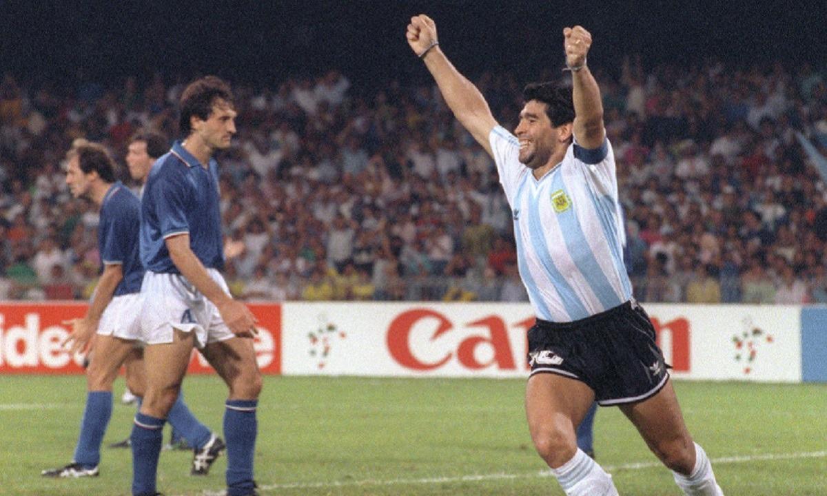 Ντιέγκο Μαραντόνα: Όλες οι εμφανίσεις που φόρεσε με την Εθνική Αργεντινής