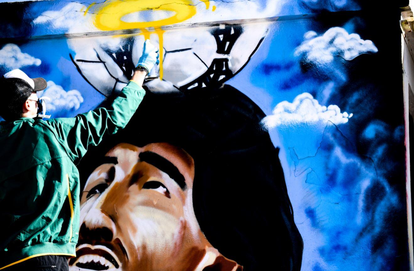 Ντιέγκο Μαραντόνα: Εντυπωσιακό γκράφιτι στην Ηλιούπολη! (vid+pics)