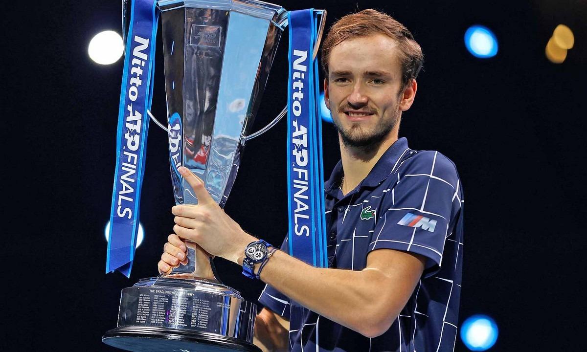 ATP Finals: «Βασιλιάς» στο Λονδίνο ο Μεντβέντεφ (vid)