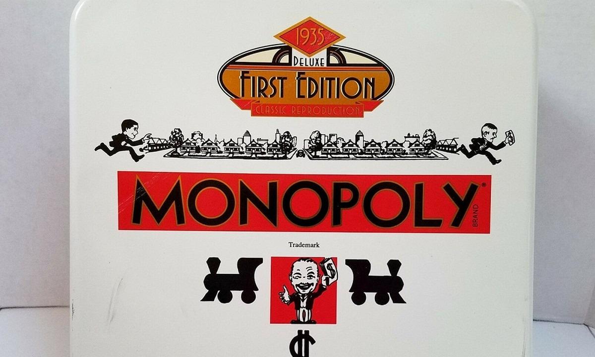 1935: Κυκλοφορεί στην αγορά το επιτραπέζιο παιχνίδι «Monopoly» (pic+video)