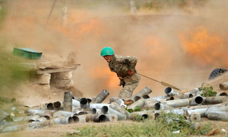 Ναγκόρνο Καραμπάχ: Η αρμενική πλευρά αναφέρει την επίθεση από τις ένοπλες δυνάμεις του Αζερμπαϊτζάν στο χωριό Ντέιβιντ-Μπεκ απευθείας στο έδαφος της Αρμενίας.