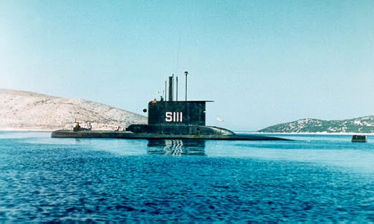 Ελληνικά υποβρύχια: Η φωτογραφία που σοκάρει του Τούρκους – Το Νηρεύς στο Καστελόριζο