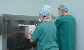 Θεσσαλονίκη - Κορονοϊός: Η Ένωση Ξενοδόχων καλύπτει τη διαμονή των νοσηλευτριών
