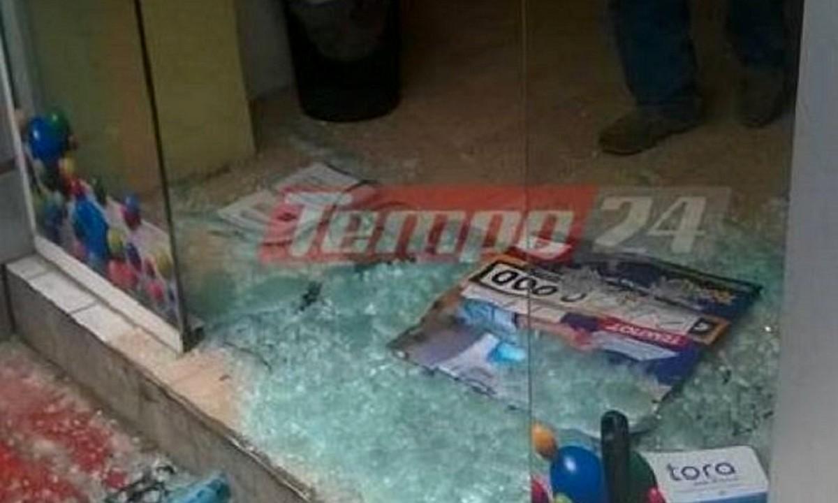 Πάτρα: Έπεσαν με αυτοκίνητο πάνω σε πρακτορείο του ΟΠΑΠ και χτύπησαν τους αστυνομικούς