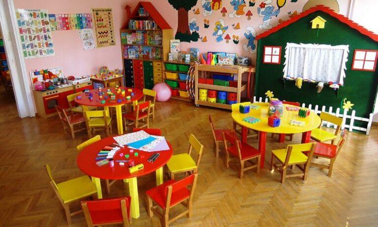 Lockdown: Ανοικτοί οι παιδικοί σταθμοί και τα δημοτικά, κλειστά τα φροντιστήρια στην καραντίνα (vid)