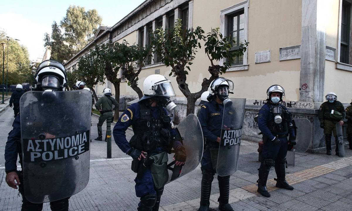 Πολυτεχνείο: «Φρούριο» η Αθήνα – 5.000 αστυνομικοί, drones, «Αίαντες» και κυκλοφοριακές ρυθμίσεις
