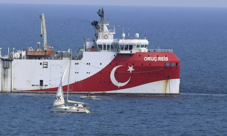 Η Τουρκία ζητά αποστρατικοποίηση των νησιών – «Μπαράζ» νέων NAVTEX