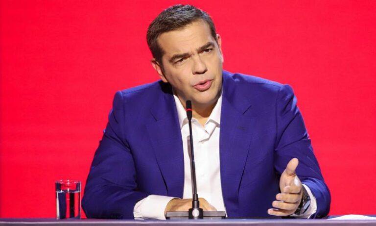 Τσίπρας για τηλεκπαίδευση: «Η κυβέρνηση των αρίστων αυτογελοιοποιείται ξανά»